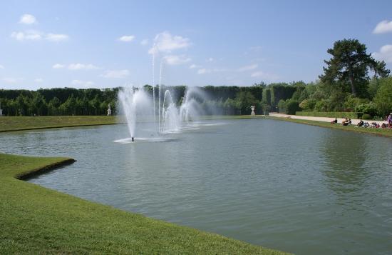 Bosquet de la girandole cot ouest du parc photo de for Bassin miroir