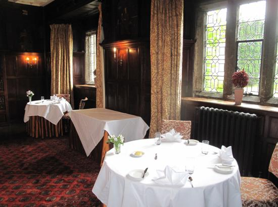 Lewtrenchard Manor : restaurant