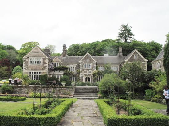 Lewtrenchard Manor : the manor