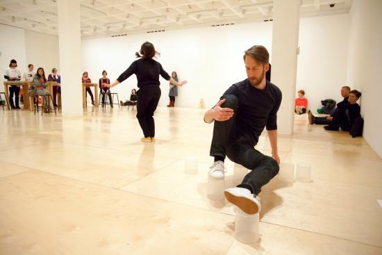 Arnolfini : Siobhan Davies Dance, photo Justin Yockney