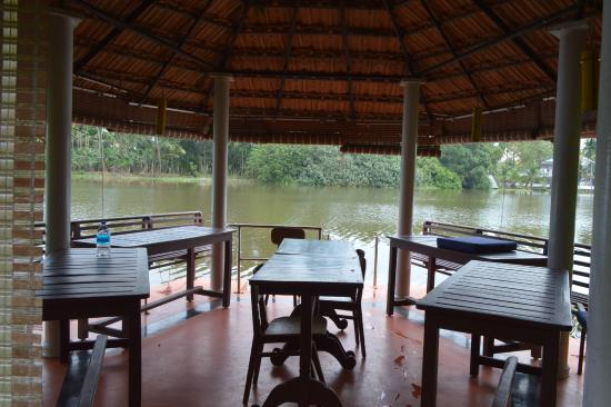 Kait's Home : Dining Area in Pampa River
