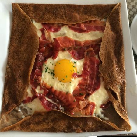 La Creperie: egg and bacon