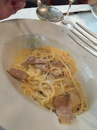 Valle Ristorante: Spaghetti im Parmesanlaib und Trüffel - das absolut beste was ich eh beim Italiener gegessen hab