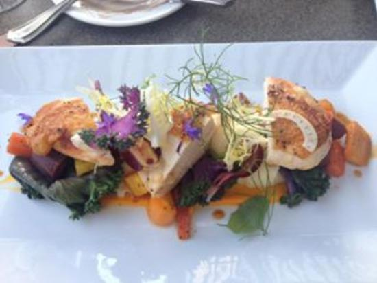 Eugene, OR: Organic chicken with potato puree and carrots
