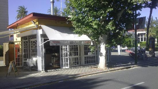 Kiosko Oliva La Botella