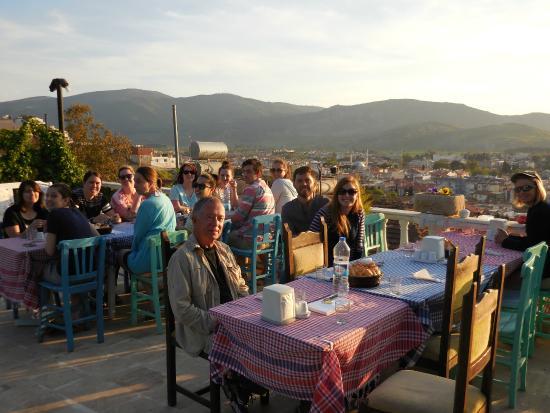 Villa Panaroma: Breakfast by the pool