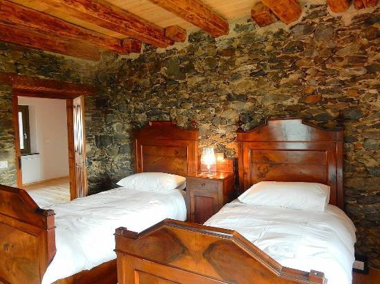 Albergo Diffuso Comeglians: Camere da letto
