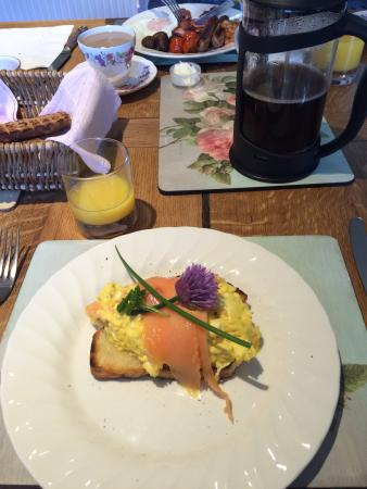 Townhead Farmhouse Bed and Breakfast: Yummy breakfast before our walk.