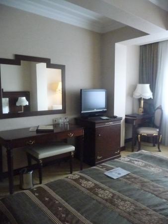 Latanya Palm Hotel: Une partie de la chambre......