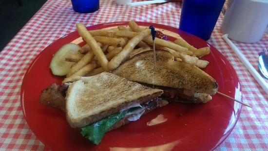 Little Boots Country Diner : Chicken wrap with onion rings and BLT and fries