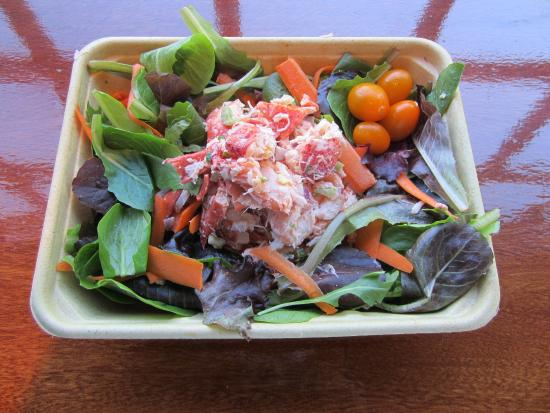 Beetlebung Coffee House: Island Farm Salad with poached lobster
