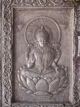 Una, India: Solid silver door or 'dwar'.