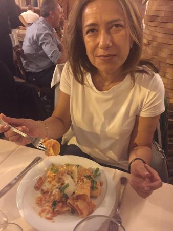 Osteria La Gensola: Spaghetti con la colatura delle alici (deliziosi) --- Paccari con ragù e rana pescatrice ( da pr