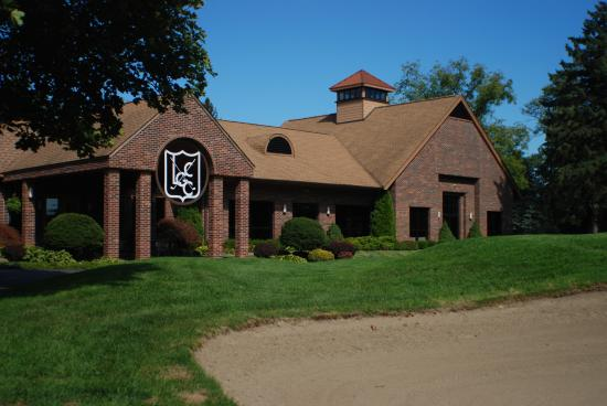 ‪Lakelands Golf & Country Club‬