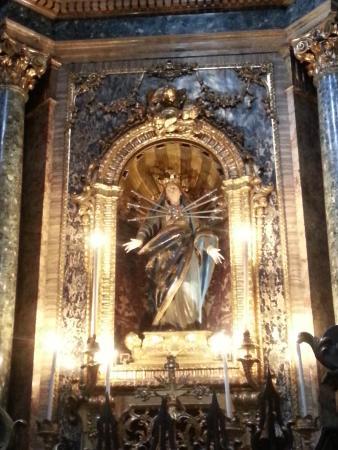 Basilica di Santa Maria dei Servi Bologna : Святая Мария.