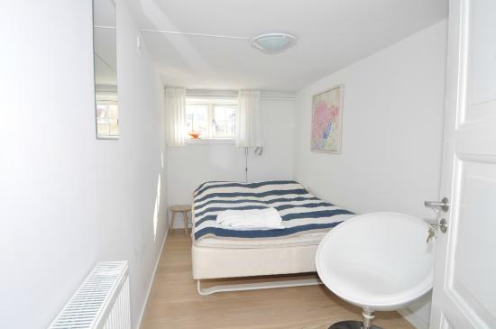 Soveværelse 2 underetage   billede af feriebolig på Østre ...