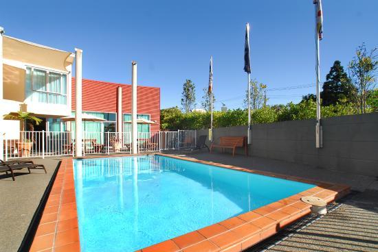 Aristotles North Shore: Pool Area