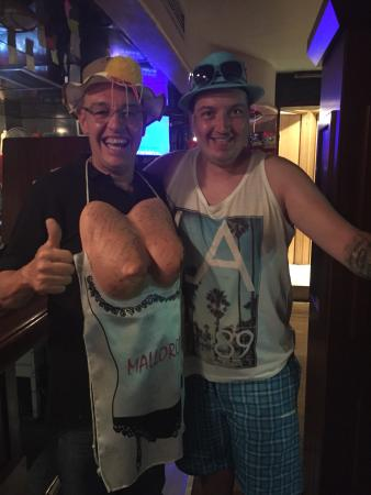 Carabel Pub: Best barman ever