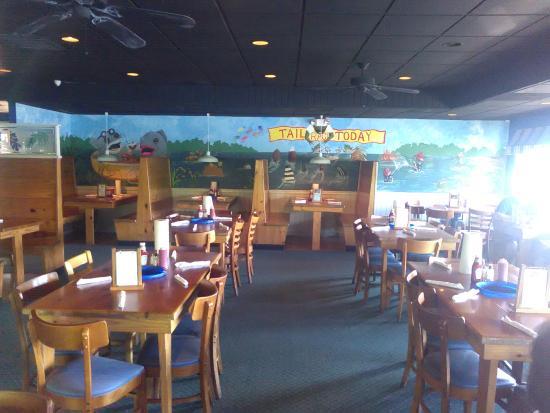 Gilligan's Seafood Restaurant: Main dining room