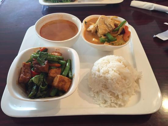 This Is The Spot For Thai Food In Oakland Come One Come All