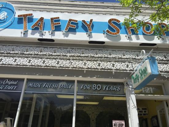‪The Taffy Shop‬