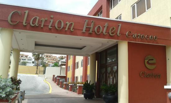 Clarion Hotel & Suites Curacao: Entrada del Hotel