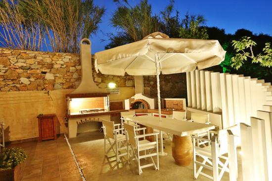 Ventoura Studios & Apartments: BBQ place