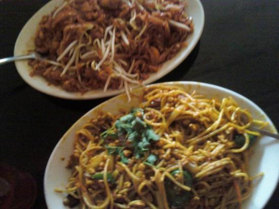 Spice Island Tea House: pad thai and chiang mai noodles