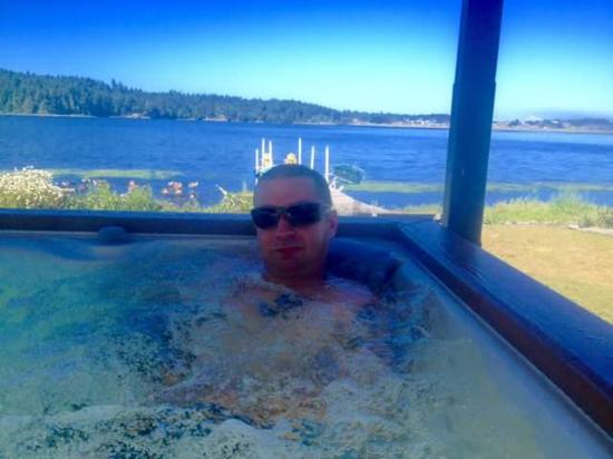Birds of a Feather Ocean Lagoon Bed & Breakfast & Vacation Rental: The View from the hot tub :)