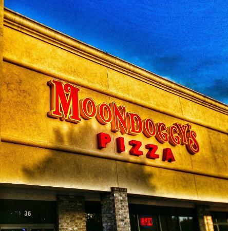 Moondoggy S Pizza And Pub