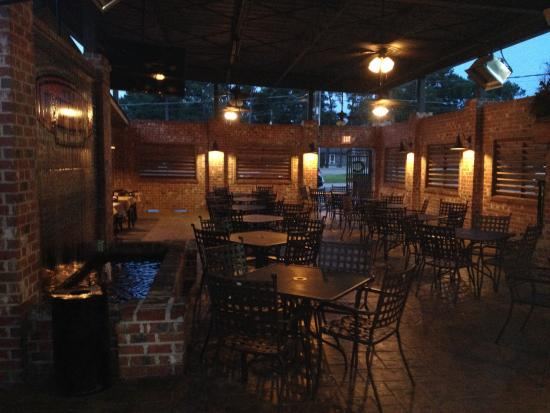 Conestoga Steak House: Very Nice Patio