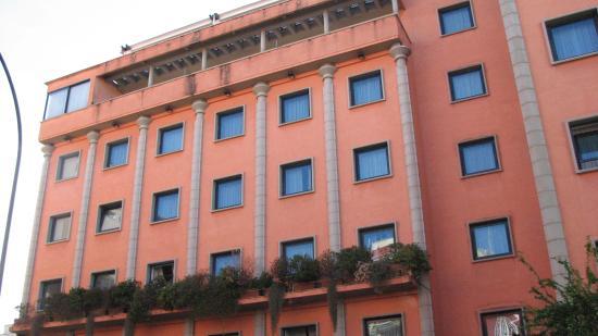 Grand Hotel Tiberio: Hotel outside
