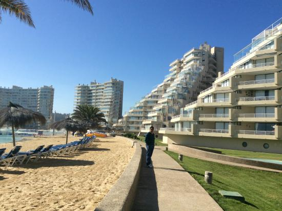 San Alfonso del Mar: outside area