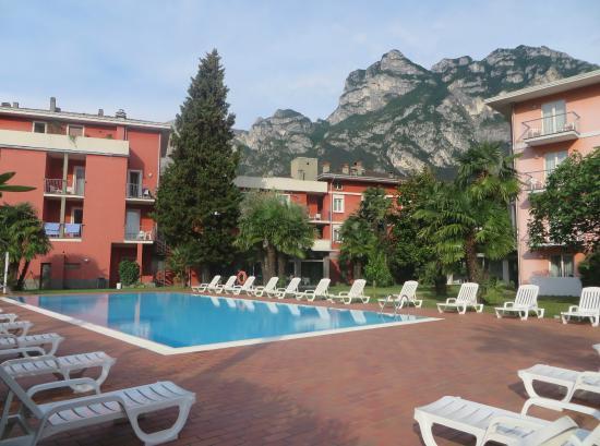 Hotel Brione: quiet pool area