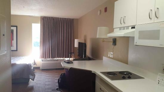 Extended Stay America - Hanover - Parsippany: kitchenette