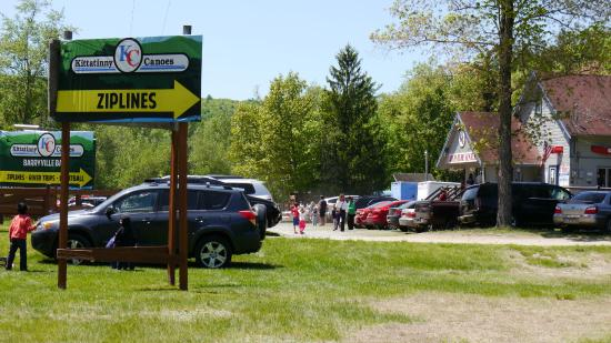 Barryville, NY: Entrance to the campgrounds