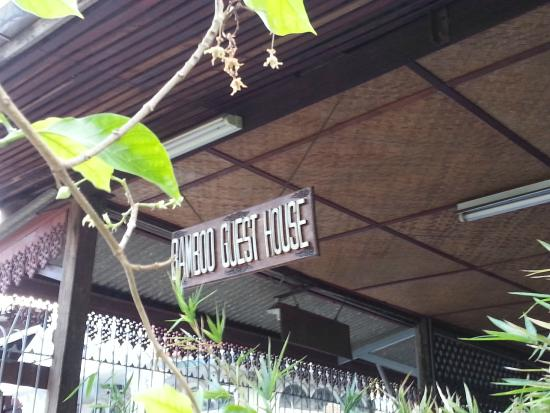 Bamboo Guesthouse: Signboard