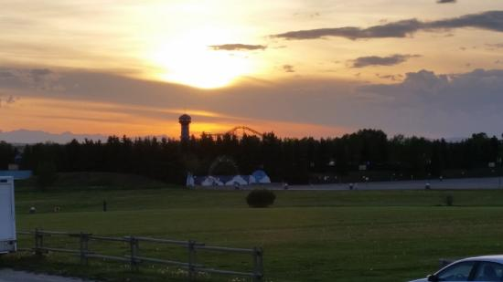 Calaway Park RV Park and Campground : View of sunset over Calaway Park from the campground