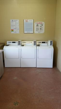 Calaway Park RV Park and Campground : Laundry room