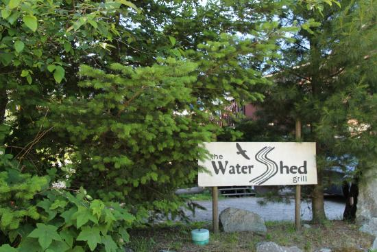 The Watershed Grill: The Entrance