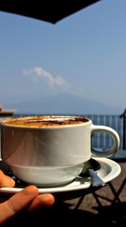 Italy Limousine: Cappuccino on the beach in Sorento