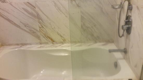 Silka Maytower Kuala Lumpur: Bathroom
