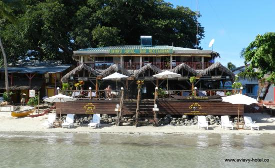 Aviavy Hotel: Vue depuis la plage