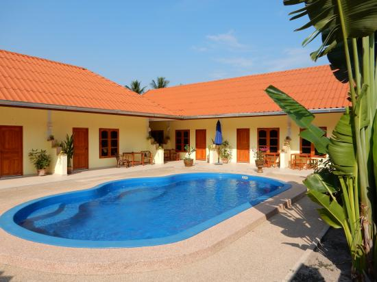 Malee Resort