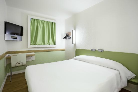 Chambre Double (2 personnes) - Picture of Ibis Budget Epinal, Epinal ...