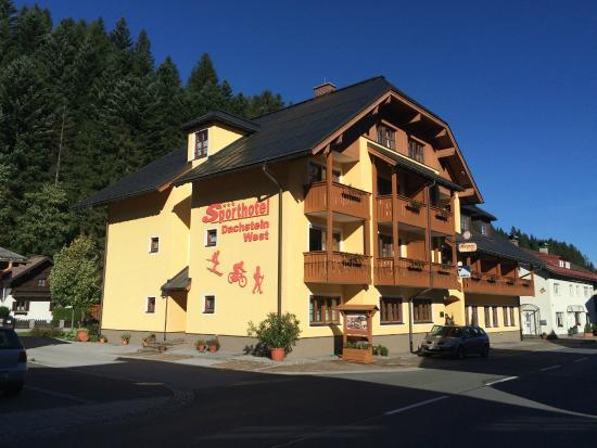 Sporthotel Dachstein West: A Hotel