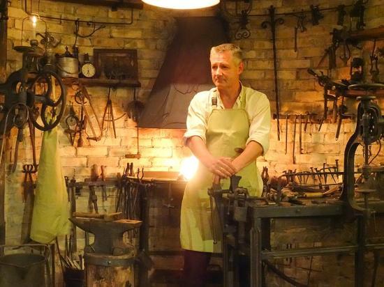 Uzupis Blacksmithery Gallery-Museum