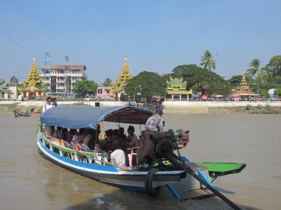 Yangon Region, Μιανμάρ: 外国人用の船