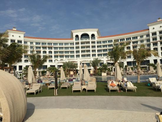 Relaxing picture of waldorf astoria dubai palm jumeirah for Astoria hotel dubai