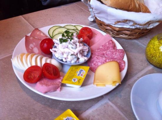 Hotel Rainbow-Inn: das Frühstück